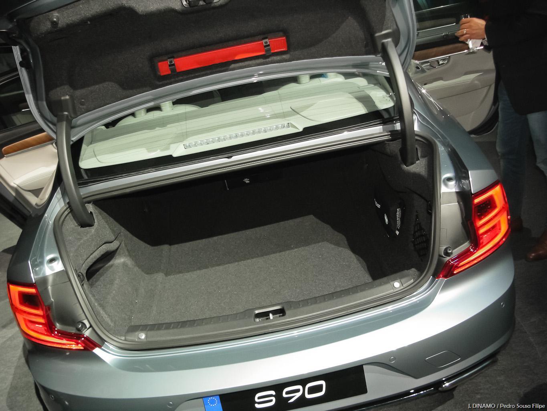 VolvoS90-V90_PSF_047