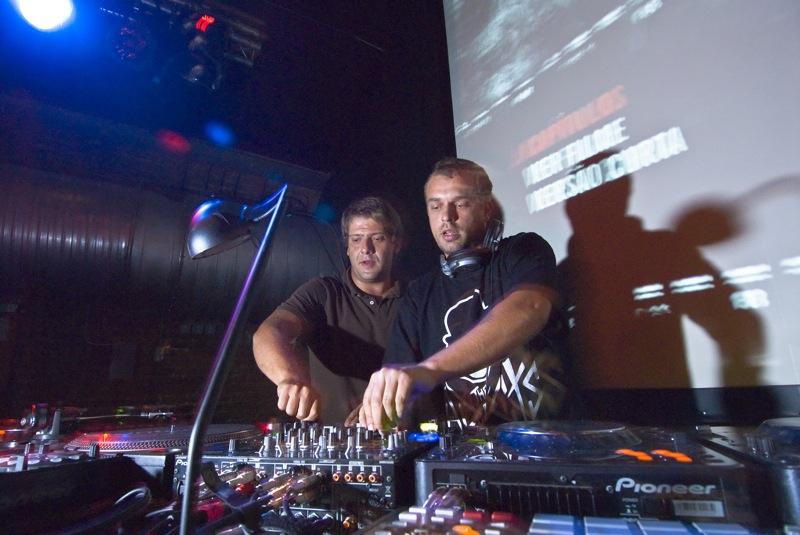 Stereo Addiction, DJ's e Produtores 1